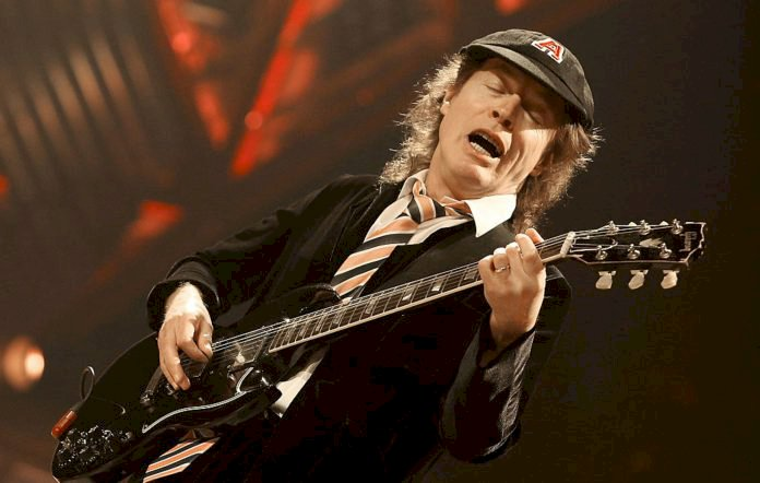 Angus Young: Bon Scott achava que Brian Johnson era o melhor cantor que ele já havia visto