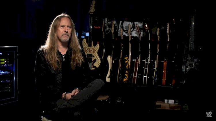 Jerry Cantrell, do Alice In Chains, finaliza a gravação de seu novo álbum solo