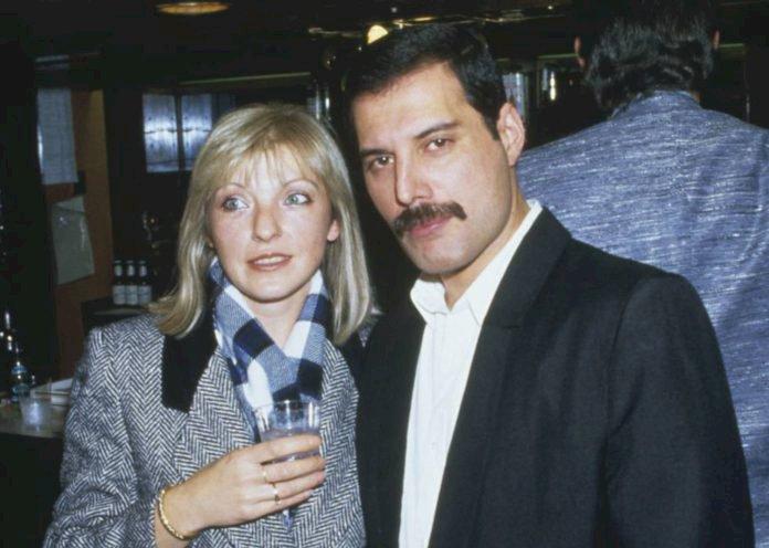 Mary Austin, 'amor da vida' de Freddie Mercury, completa 70 anos