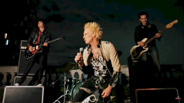 Supla lança clipe da música 'Granada', gravado na cobertura de seu prédio