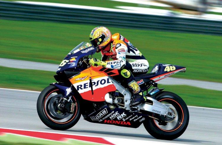 Chegou o momento: Valentino Rossi anuncia seu adeus