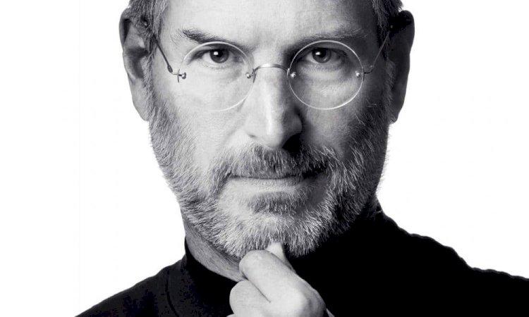 Em e-mail enviado a poucos funcionários, Steve Jobs resumiu toda a estratégia da Apple em 6 pontos